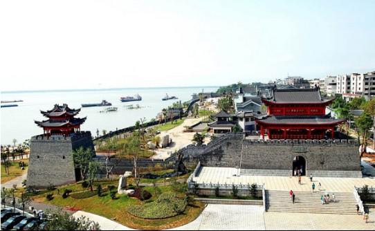 境内名胜古迹星罗棋布,有省级风景名胜区四处,即建于唐代垂拱年间的