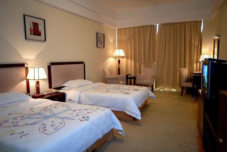 一共7家酒店,分别是:常德武陵天济喜来登酒店,常德共和酒店,常德觅你